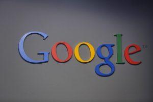 """""""Google"""" savo produktuose atsekė Rusijos agentų reklamą"""