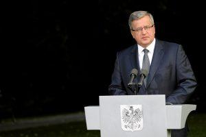 B. Komorowskis: visa tiesa apie Katynę yra laisvos Lenkijos pamatas