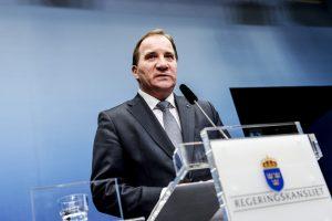 Švedijos premjeras skelbia pirmalaikius rinkimus kovo mėnesį
