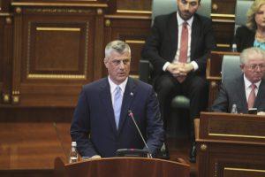 Kosovo ekspremjeras H. Thaci prisaikdintas šalies prezidentu