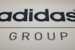 """""""Adidas"""" nutraukė skandalų krečiamos IAAF rėmimo sutartį"""