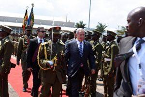 Izraelio premjeras kelionėje per keturias Afrikos šalis atvyko į Ugandą