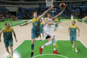 Australijos krepšininkai užsitikrino vietą olimpinių žaidynių ketvirtfinalyje