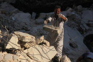 Sirijoje per Idlibo bombardavimą žuvo 58 žmonės