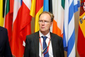 Atsistatydino Britanijos ambasadorius Europos Sąjungoje I. Rogersas
