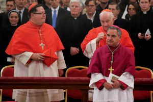 Vatikanas reiškia susirūpinimą dėl D. Trumpo įsakų