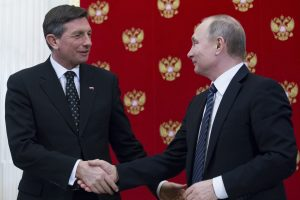 B. Pahoras: kvietimas D. Trumpui ir V. Putinui susitikti Slovėnijoje tebegalioja
