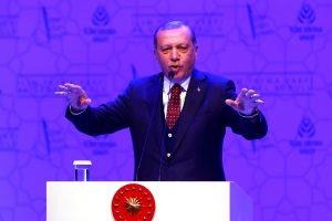 """Turkijos prezidentas kaltina A. Merkel """"nacistinių priemonių"""" panaudojimu"""