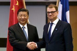 """Suomijoje viešintis Kinijos prezidentas tęsia """"pandų diplomatiją"""""""