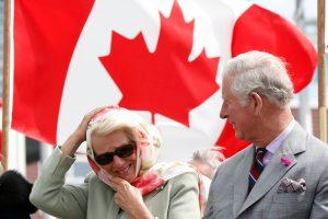 Princas Charlesas lankosi Kanadoje