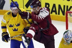 Latvijos ledo ritulininkai minimaliu skirtumu pralaimėjo pasaulio čempionams