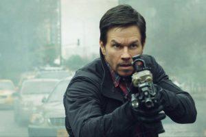 """Kodėl filmavimąsi trileryje """"22-oji mylia"""" M. Wahlbergas prisimins visą gyvenimą?"""