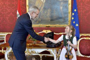 W. A. Mozarto vaikystės smuikas skambės Kinijoje