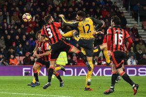 """Londono """"Arsenal"""" stebuklas: panaikino trijų įvarčių deficitą ir išsivežė tašką"""