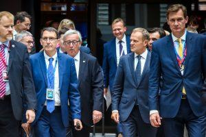 D. Tuskas: ES lyderiai sutarė pratęsti ekonomines sankcijas Rusijai