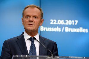 """""""Svajotojas"""" D. Tuskas tikisi, kad Jungtinė Karalystė liks Europos Sąjungoje"""