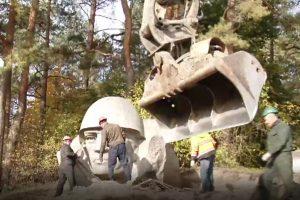 Sovietinės skulptūros iškeliavo į Grūto parką