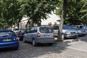 Už ne vietoje pastatytus automobilius – 74 įspėjimai