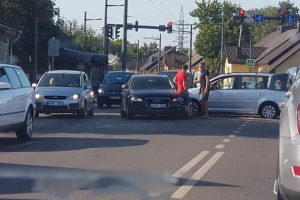 A.Juozapavičiaus prospekte susidūrė trys automobiliai