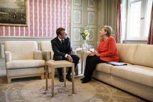 E. Macronas žada remti A. Merkel siekį spręsti migracijos kontrolės klausimą