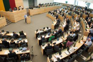 Seimas svarstys siūlymą bausti už siekius papirkti rinkėjus