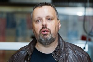 """A. Užkalnis: lietuviai filmų pavadinimus išverčia blogiau nei """"Google translate"""""""