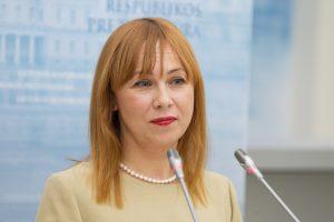 Ministrė ramina jaunimą: niekas prievarta dirbti į regionus neveš