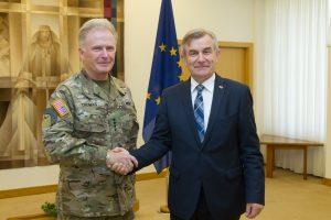 V. Pranckietis: Lietuva stengsis būti pasirengusi kovoti su galimu agresoriumi