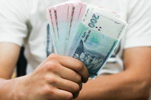 Lietuviai dar laiko paslėpę apie pusę milijardo litų