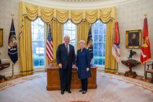 D. Trumpas per susitikimą pagyrė Baltijos šalis už gynybos finansavimą