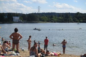 Ugniagesiai gelbėtojai įvardijo, į ką būtina atkreipti dėmesį einant maudytis
