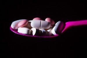 Baisias pasekmes turinčiais vaistais lietuviai piktnaudžiauja labiau nei kiti