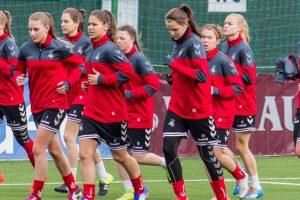 Moterų futbolo rinktinė žais pasaulio čempionato atrankos rungtynes