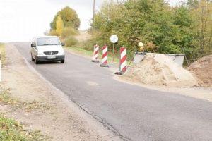 Ar kam nors rūpi irstantys šalies keliai?