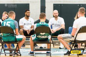 """""""One Team"""" sezono starte – ambasadorių A. Kavaliausko ir B. Davieso pasakojimai"""