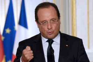 """F. Hollande'as piktinasi Rusijos """"sisteminiu trukdymu"""" JT dėl Sirijos"""