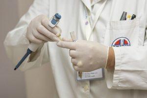 Peticijos iniciatorius: valstybė medikams nesumoka beveik pusės milijardo eurų