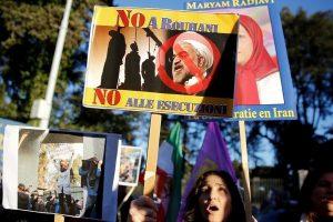 H. Rouhani ragina E. Macroną imtis veiksmų dėl antiiranietiškų teroristų Prancūzijoje