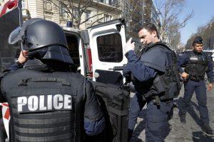 Prancūzijos policija sulaikė daugiau kaip 20 reketu įtariamų čečėnų