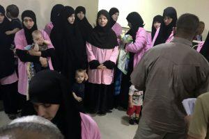 """Prie """"Islamo valstybės"""" prisijungusios 19 rusių nuteistos kalėti iki gyvos galvos"""