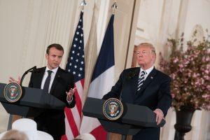 E. Macronas: Prancūzija ir JAV nori sukurti naują branduolinį susitarimą su Iranu