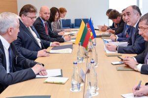 Lietuva ir Azerbaidžanas ieško sąlyčio taškų transporto srityje