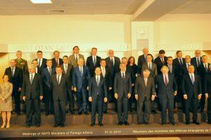Ministras NATO susitikime pabrėžė gynybos biudžeto svarbą Rusijos grėsmės akivaizdoje