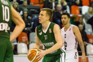 """Latvijos krepšinio čempionate – """"lietuviškų"""" komandų pergalės"""