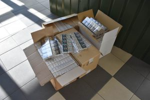 Šiauliuose VSAT pareigūnams su įkalčiais įkliuvo cigarečių vežikas