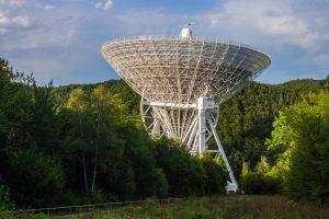 Ką astronomai veikia, kai dangus apniukęs