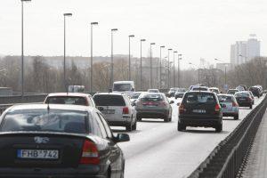 Vakarų Lietuvoje dėl šarmos keliuose yra slidžių ruožų