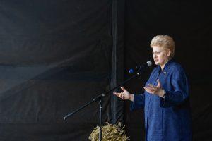 Prezidentė drąsino nuo smurto nukentėjusias moteris