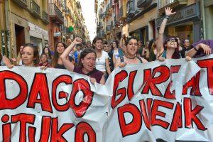 Ispanijos teismo sprendimas paleisti prievartautojų gaujos narius išprovokavo įtūžį
