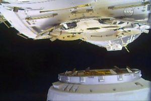 """""""SpaceX"""" atgabentas krovinys pasiekė Taptautinę kosminę stotį"""